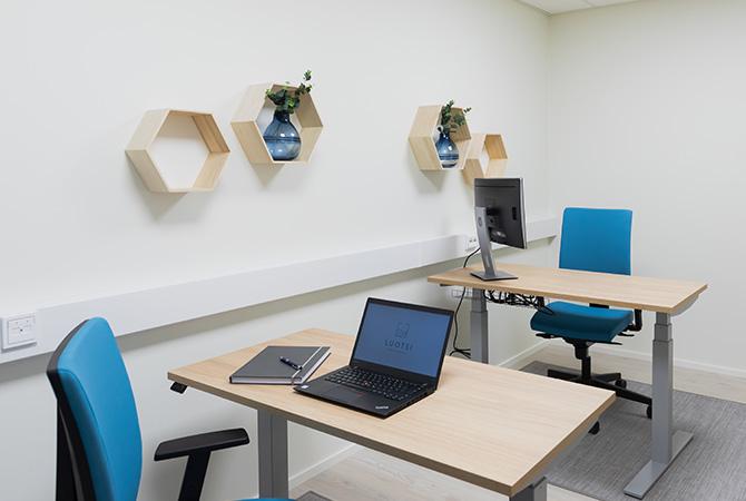 Luotsin erilliset toimistotilat mahdollistavat tehokkaan tiimityöskentelyn.
